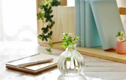 花瓶とノート