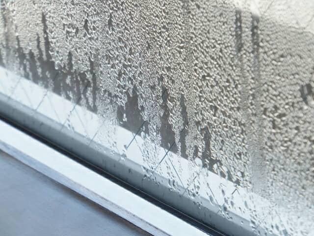 結露そた窓ガラス