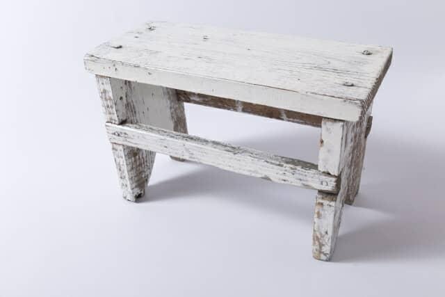 【おしゃれな踏み台20選】1段~3段タイプに、木製や折り畳みタイプも