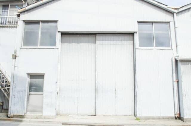 プレハブ倉庫正面外観