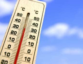 真夏日を示す温度計