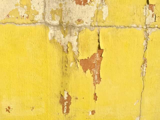 剥げた塗装壁