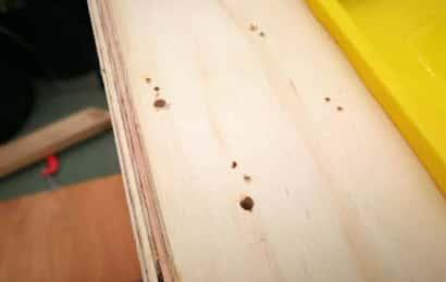 天板に穴をあける