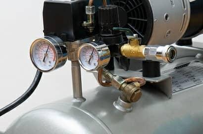 エアーコンプレッサーの圧力計
