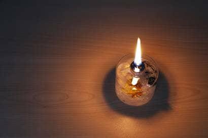 火の灯るハーバリウムランプ