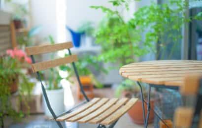 観葉植物のあるベランダ