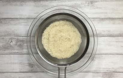 お米とザル