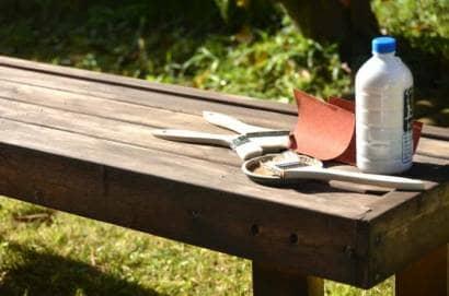 木材と柿渋塗料