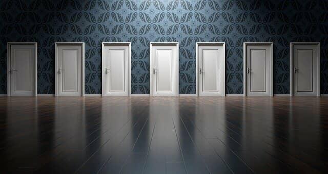 たくさんのドア