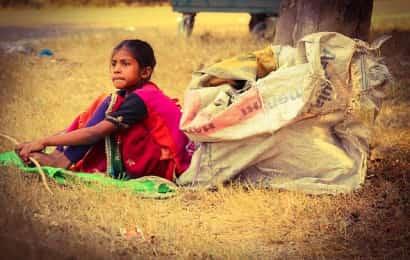 貧困 少女