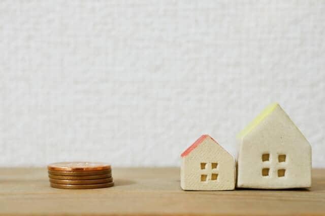 おもちゃの家とコイン