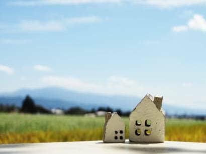 田舎の風景と家の小物