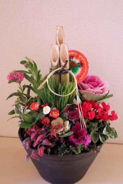 正月飾り風の寄せ植え