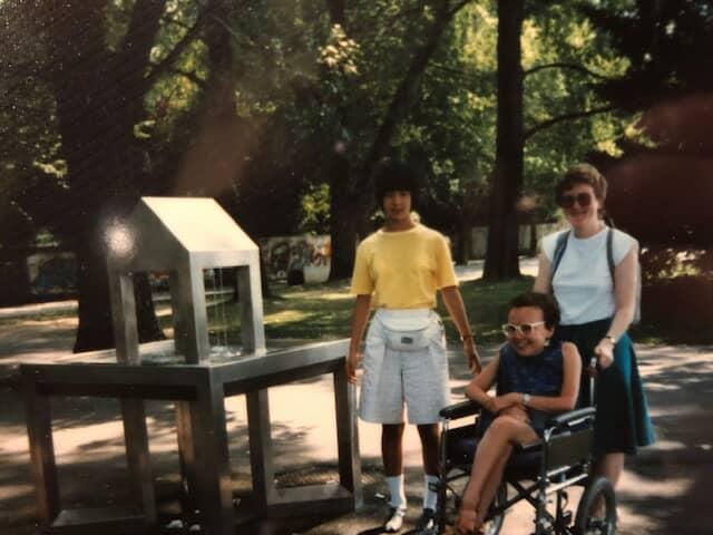 大津さんと車椅子の女性