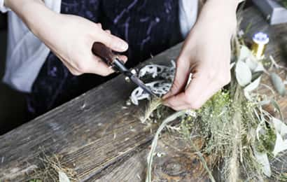 リースの作り方①花材を切る