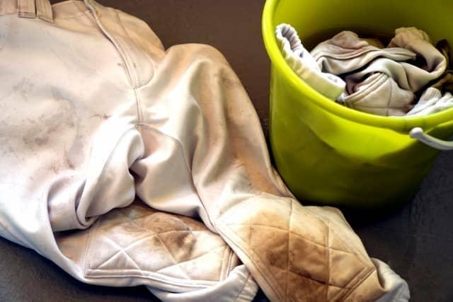 汚れた洗濯物のイメージ