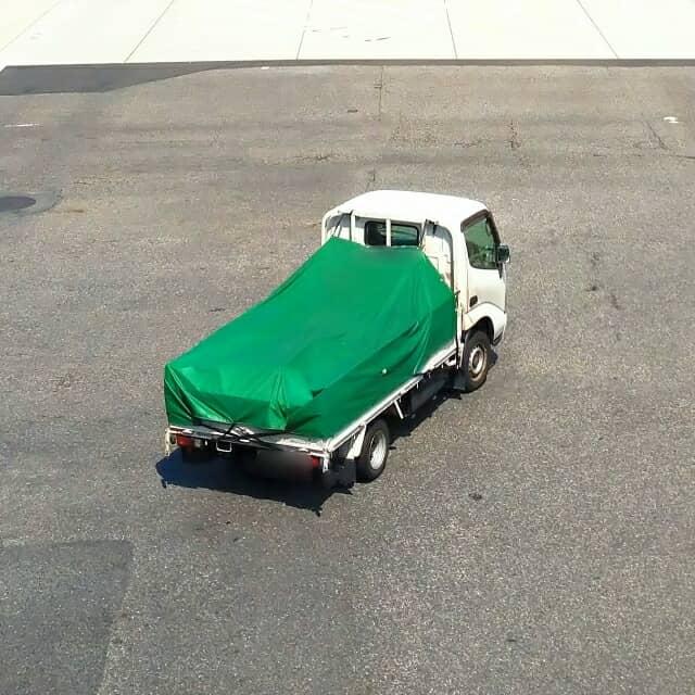 フレームの付いた軽トラック