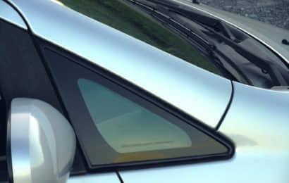 車の三角窓