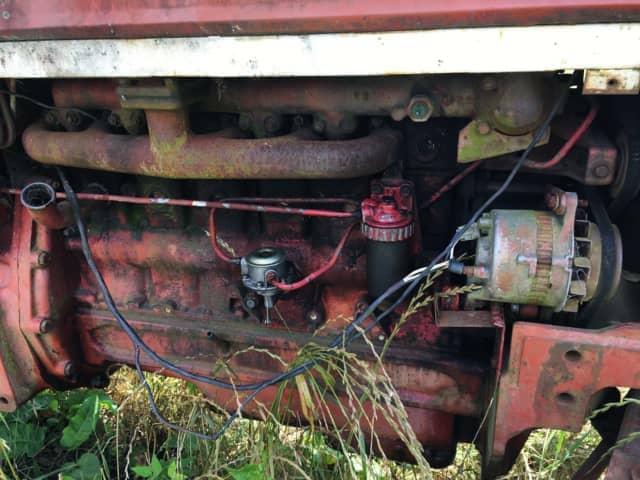 古いトラクターのメカ