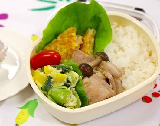 参考レシピ:全農みんなの子ども料理教室で作ったお弁当「ライスオムレツ弁当」